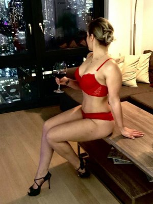 Feryal adult dating in North Potomac