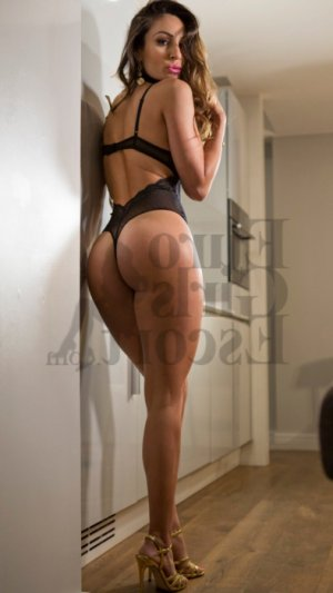 Loa adult dating in Sussex WI