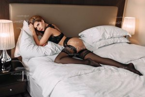 Aline-marie adult dating in Cherry Hill Mall