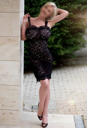 Kenzah adult dating in Liberty